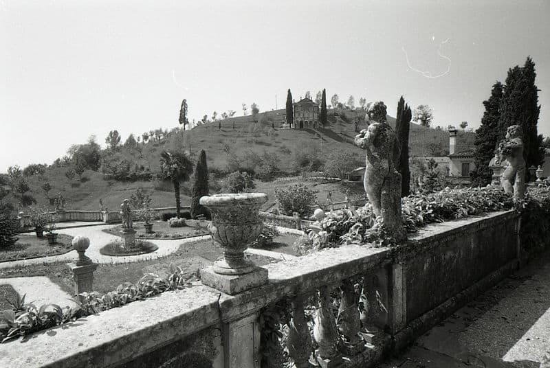 Visiter Vicenza: Une vue d' Asolo, 1966. Photo de Paolo Monti -Fondazione BEIC presso Civico Archivio Fotografico di Milano.